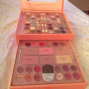Makeup Set!